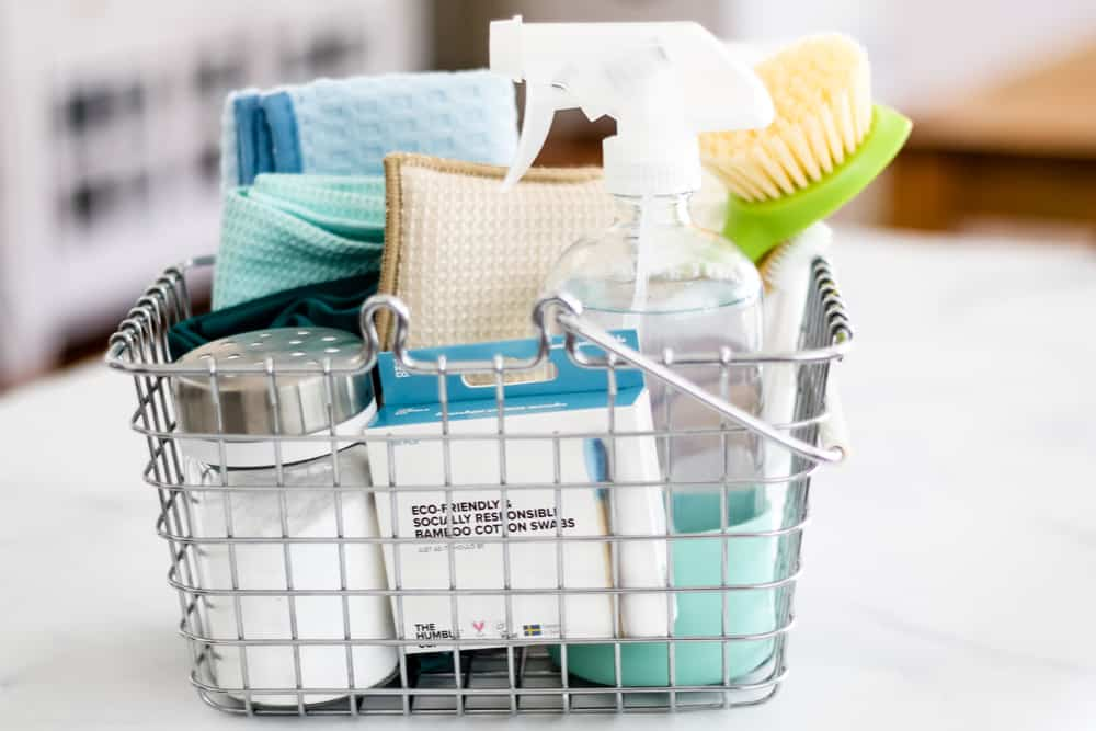 Wire basket cleaning caddy with cleaning supplies