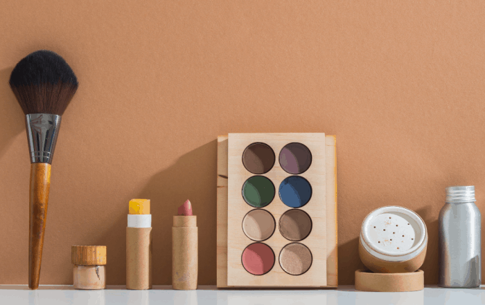 Sustainable Makeup in bamboo cases